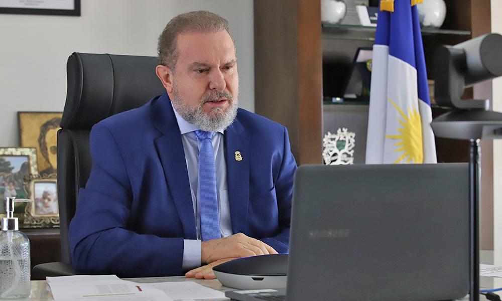 Governador Carlesse informou que a curva de contágio da Covid-19 tem diminuído no Estado, mas que é necessário manter as medidas de combate e prevenção (Foto: Washington Luiz)
