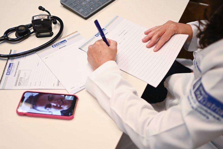 Levantamento mostra que, após a internação em UTI, 71% dos pacientes pós-Covid apresentaram algum tipo de limitação - (Foto: Iano Andrade / CNI)