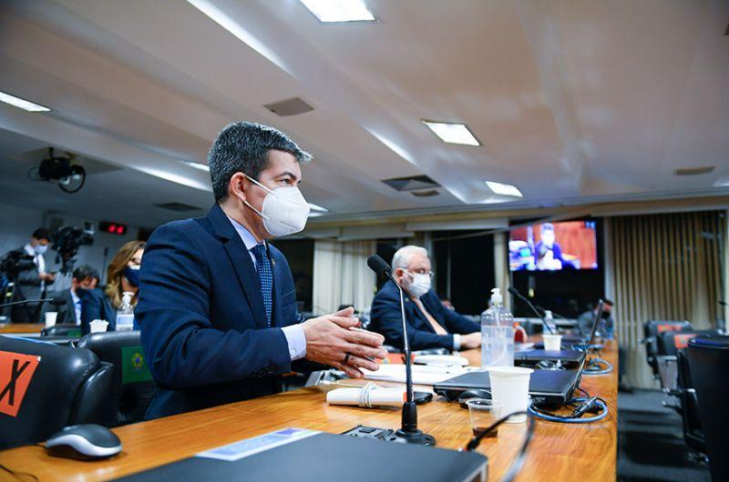 O vice-presidente da CPI da Pandemia, Randolfe Rodrigues, durante a audiência realizada nesta terça-feira - Marcos Oliveira/Agência Senado