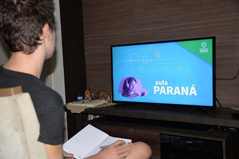 Deputada alerta para a importância do uso educativo da comunicação pública - (Foto: Pamella Rosa/Agência de Notícias do Paraná)