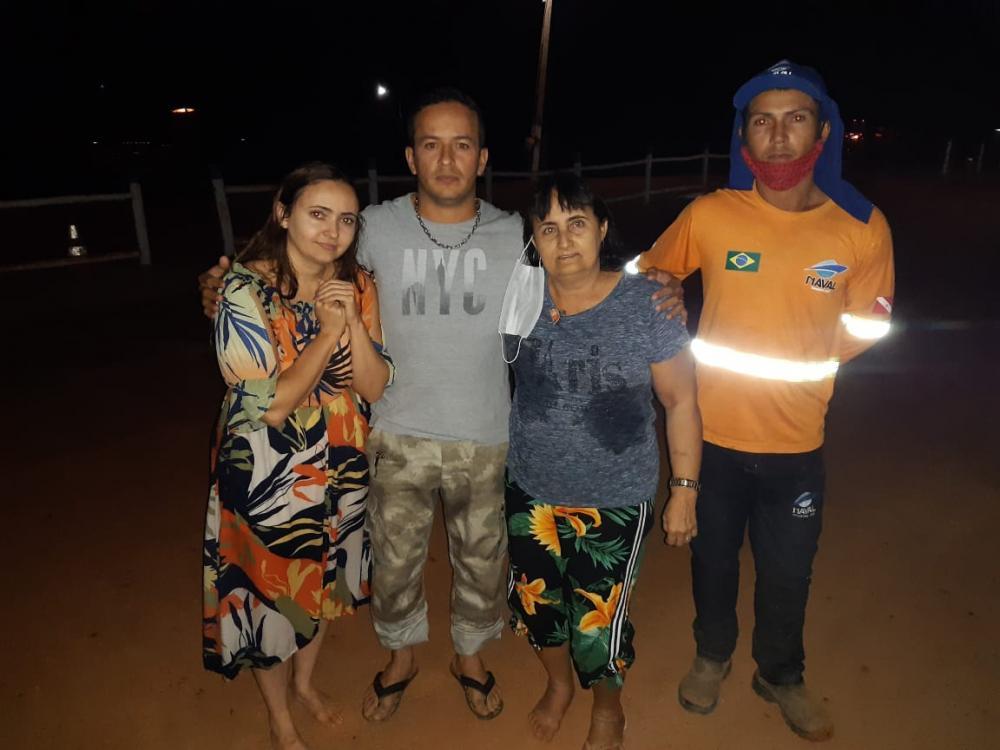 Depois do susto, as duas mulheres agradeceram ao pronto salvamento (Foto: Divulgação)