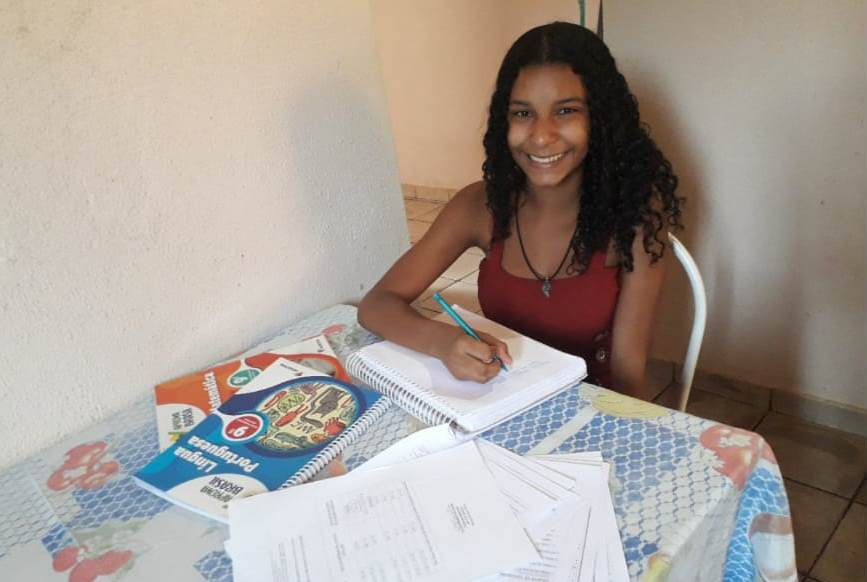 A estudante Juliana Torres Rodrigues, do 9º ano, do CEM Antônio Póvoa (Foto: Divulgação)
