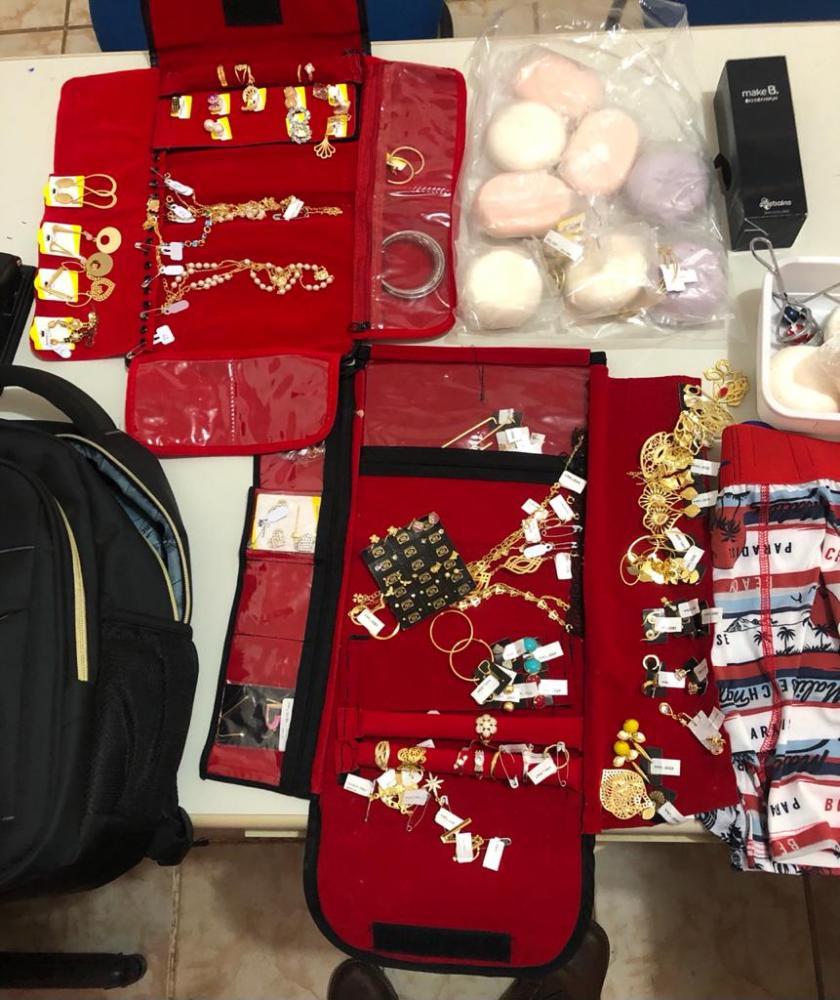 Polícia CIvil recupera quase R$ 10 mil reais em semijoias furtadas em Peixe (Foto: SSP/TO)